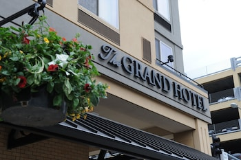The Grand Hotel Salem Reviews Photos Rates Ebookers Com
