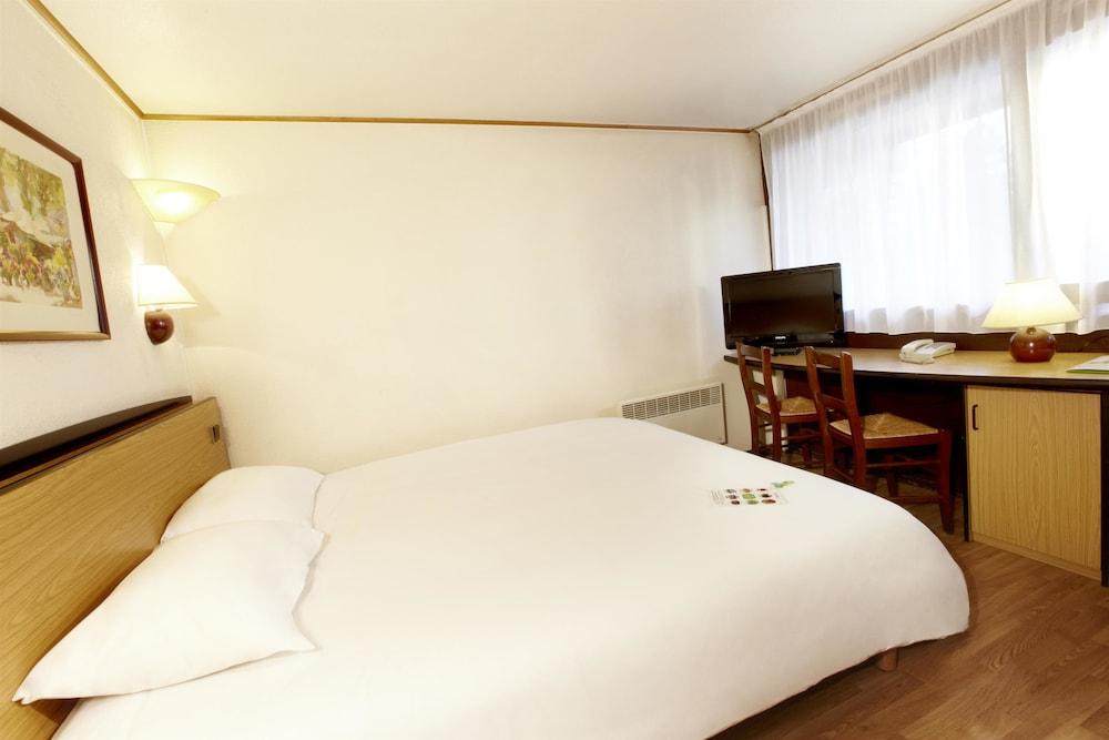 campanile lille sud douai cuincy in douai hotel rates reviews on orbitz. Black Bedroom Furniture Sets. Home Design Ideas