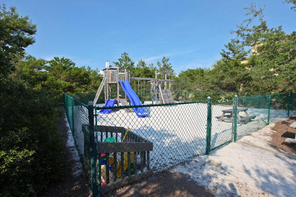 Children's Play Area - Outdoor, High Pointe Resort by Vacasa
