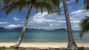 Am Strand, Strandtücher, Massagen am Strand, Schnorcheln