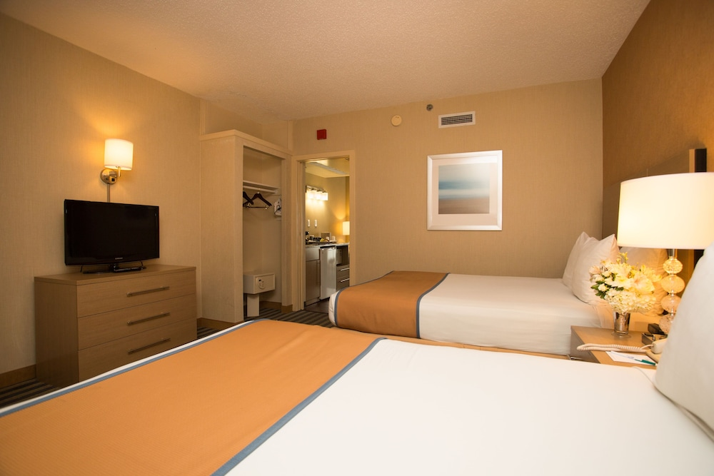 Room, Atlantic Sands Hotel & Conference Center