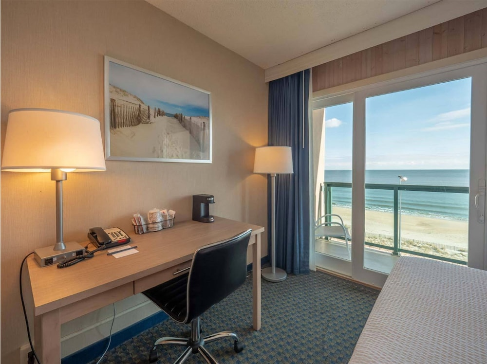 Beach/Ocean View, Atlantic Sands Hotel & Conference Center
