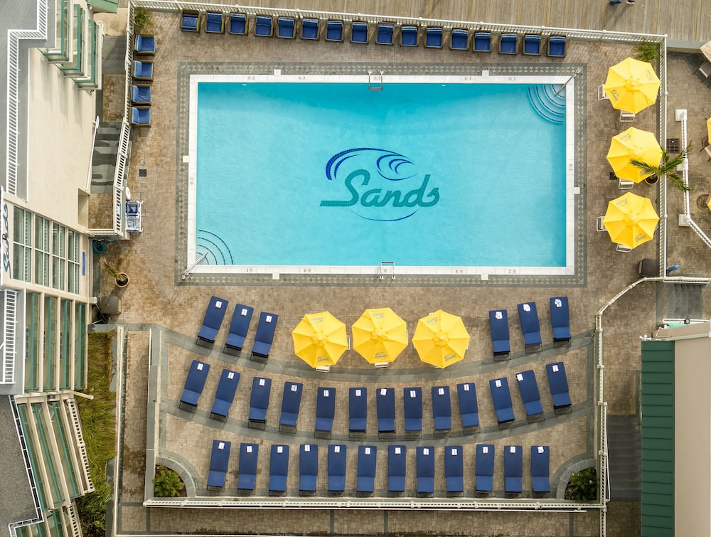 Outdoor Pool, Atlantic Sands Hotel & Conference Center