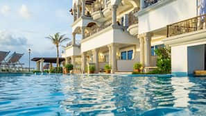 3 개의 야외 수영장, 카바나(요금 별도), 수영장 파라솔