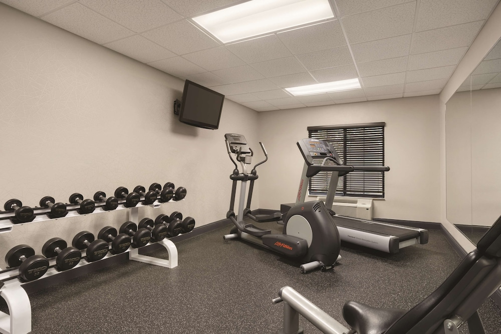 Fitness Facility, Country Inn & Suites by Radisson, Raleigh-Durham Airport, NC