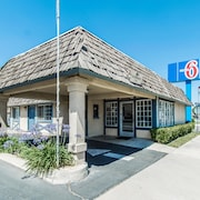 Motel 6 Kingsburg CA