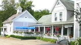 The Old Stagecoach Inn - Waterbury Hotels