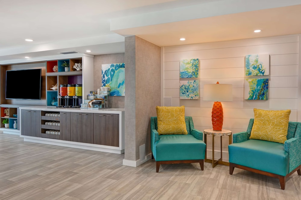Breakfast Area, Home2 Suites by Hilton Ormond Beach Oceanfront