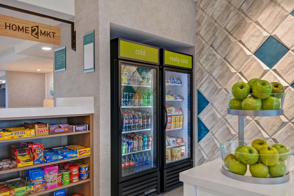 Snack Bar, Home2 Suites by Hilton Ormond Beach Oceanfront