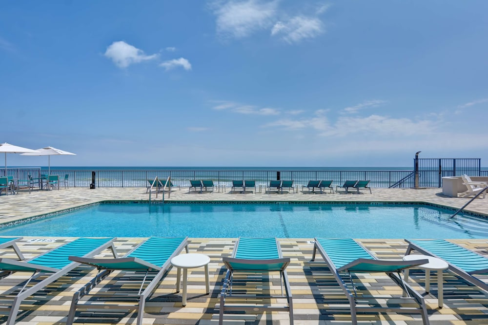 Pool, Home2 Suites by Hilton Ormond Beach Oceanfront
