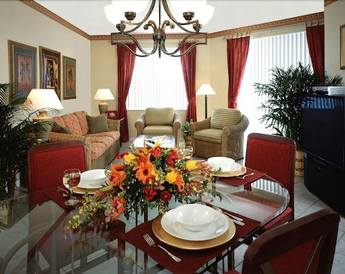 In-Room Dining, Vacation Village at Bonaventure