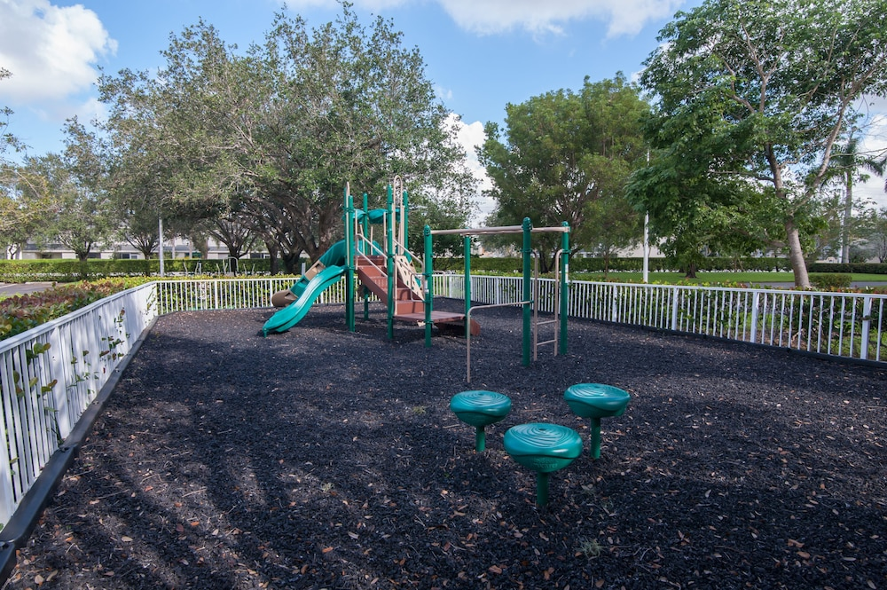Children's Play Area - Outdoor, Vacation Village at Bonaventure