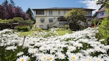 Oak Bay Guest House - Victoria Hotels