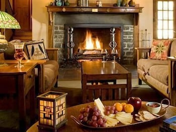 Fireplace, The Settlers Inn