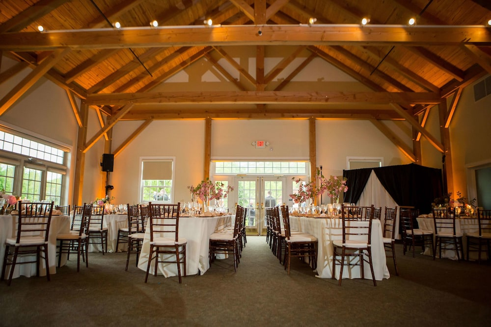 Indoor Wedding, Glasbern Inn - A Historic Hotel of America