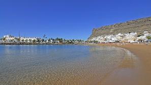 Ubicación cercana a la playa y submarinismo