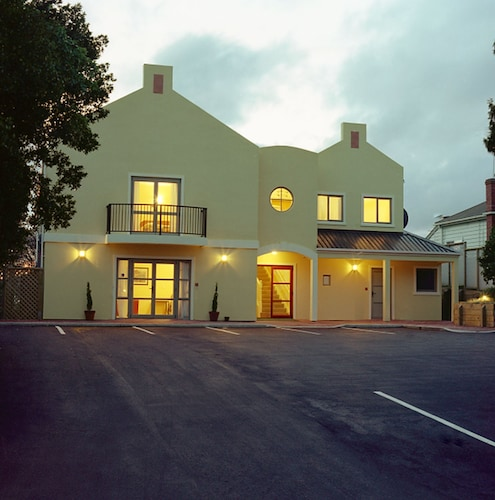 Elliotts Kapiti Coast Motor Lodge