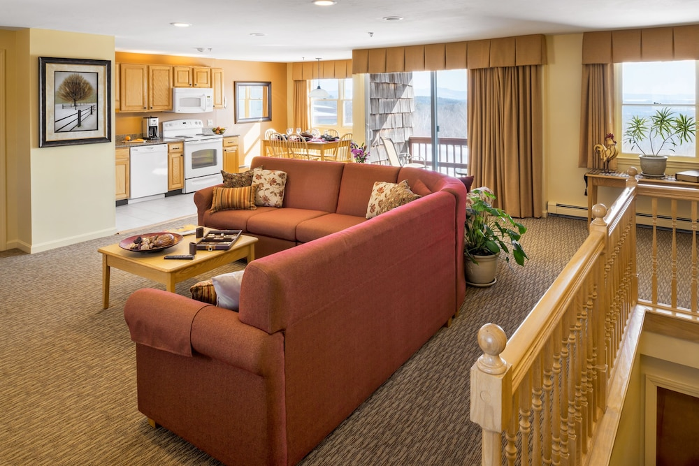 Living Area, Steele Hill Resorts