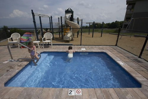 Children's Pool, Steele Hill Resorts