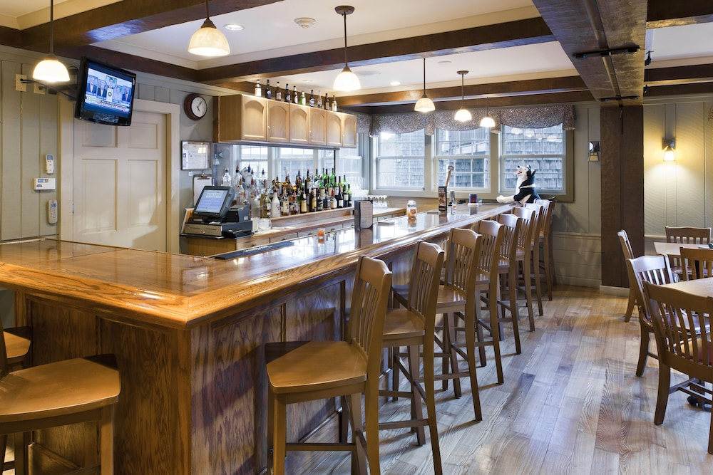 Bar, Steele Hill Resorts