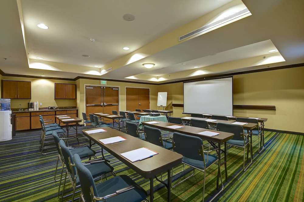 Meeting Facility, Fairfield Inn & Suites by Marriott Worcester Auburn