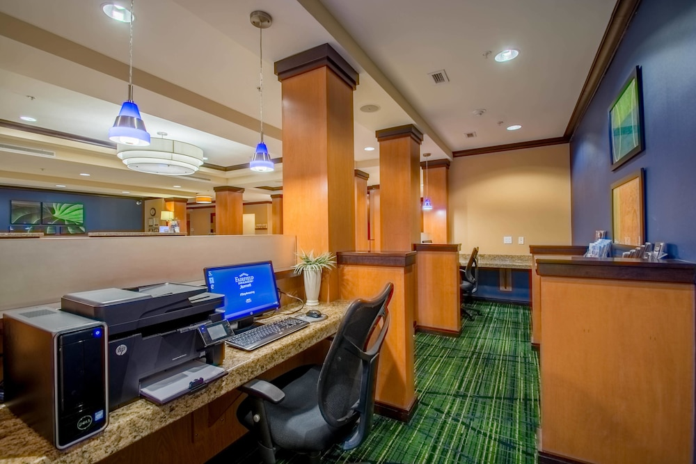 Business Center, Fairfield Inn & Suites by Marriott Worcester Auburn