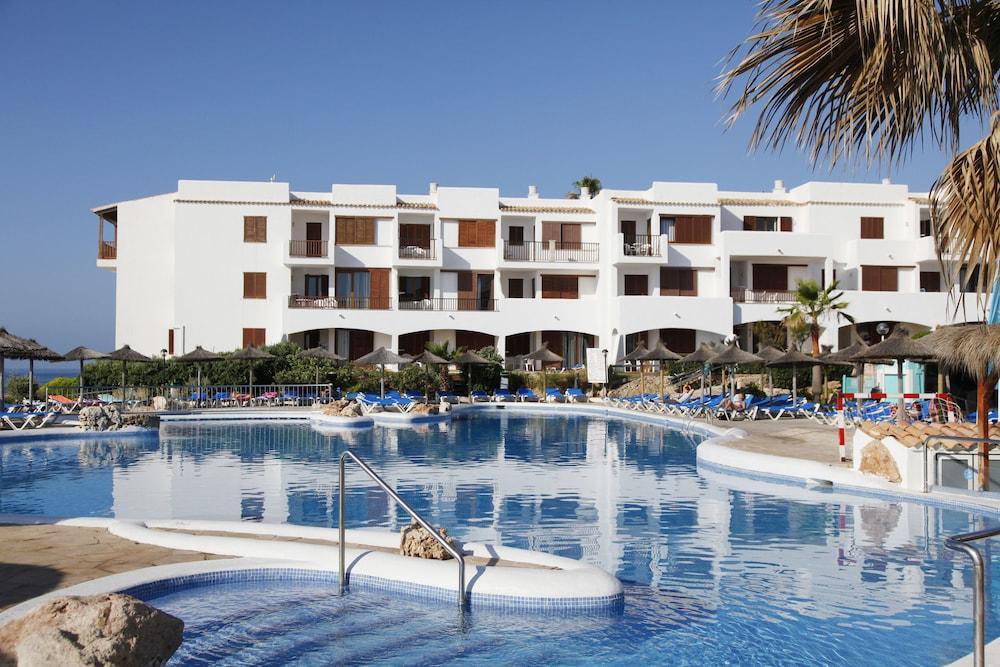 Aparthotel roc las rocas santany espagne for Apart hotel espagne