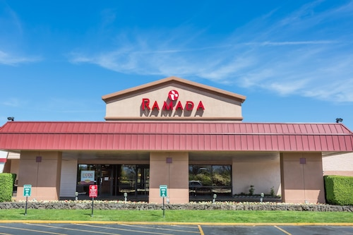 Ramada Hotel & Conference Center by Wyndham Medford