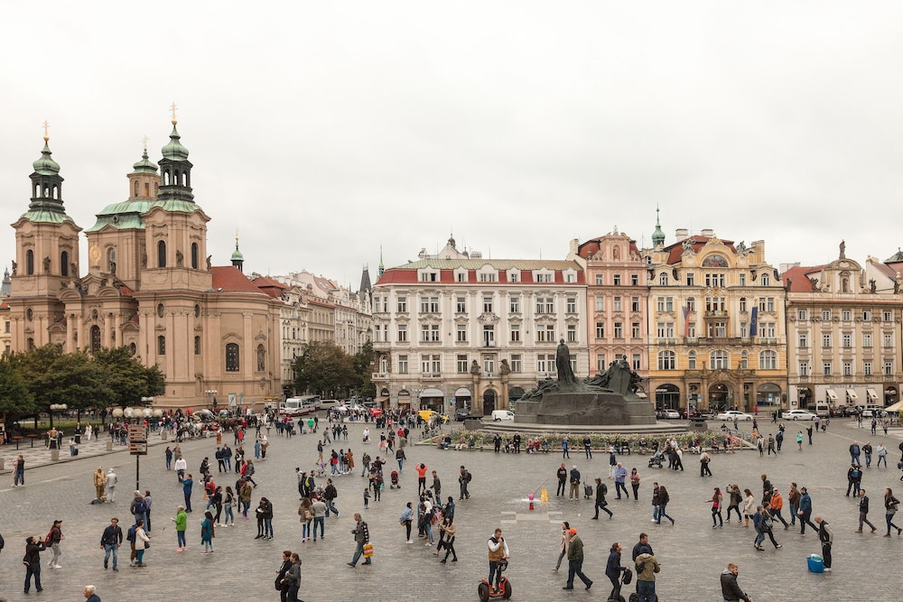 Old town square hotel prague czech republic expedia for Hotels in prague 1