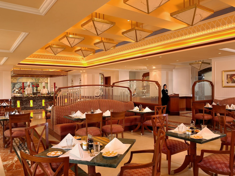 Breakfast Area, ITC Grand Central, a Luxury Collection Hotel, Mumbai