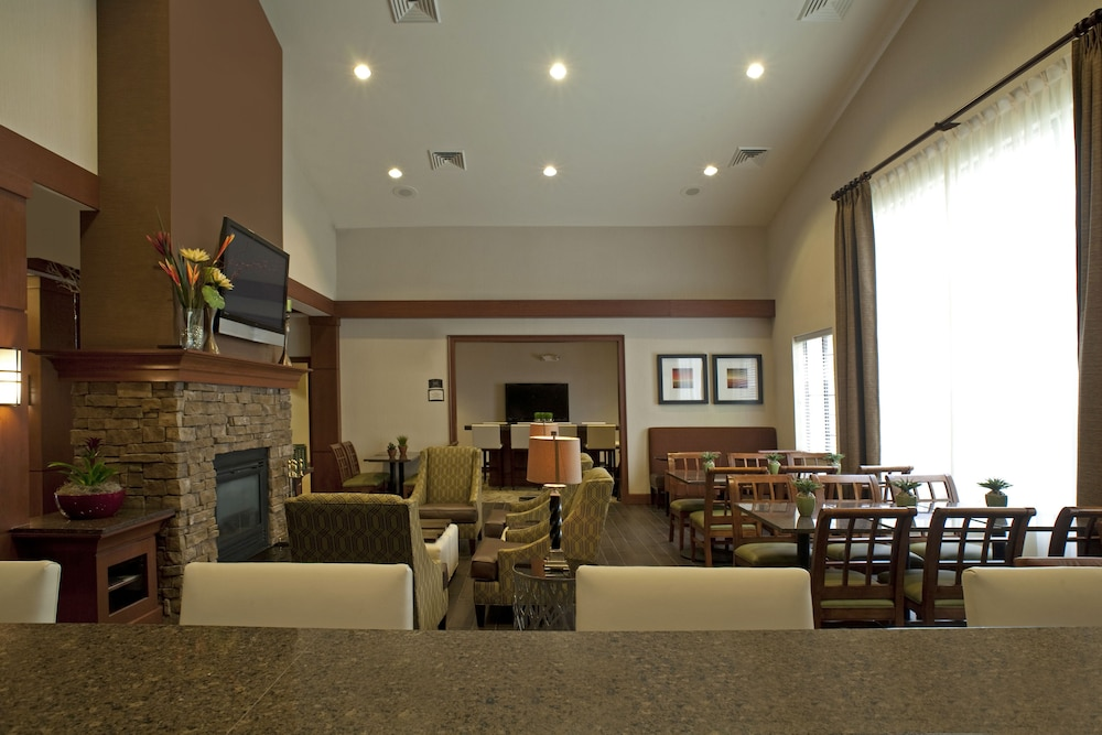 Lobby, Staybridge Suites Chantilly - Dulles Airport