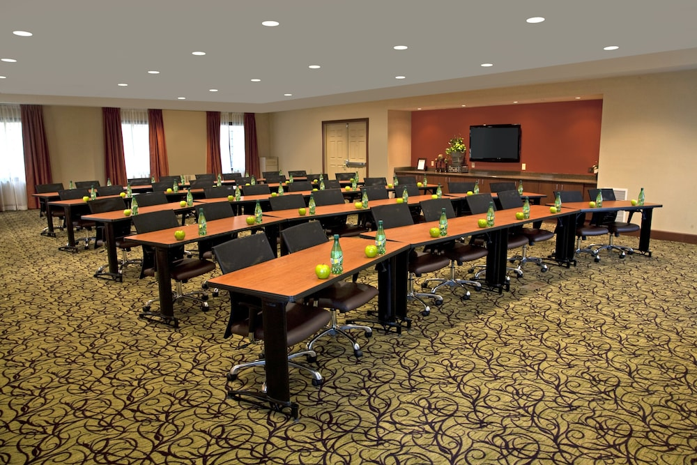 Meeting Facility, Staybridge Suites Chantilly - Dulles Airport