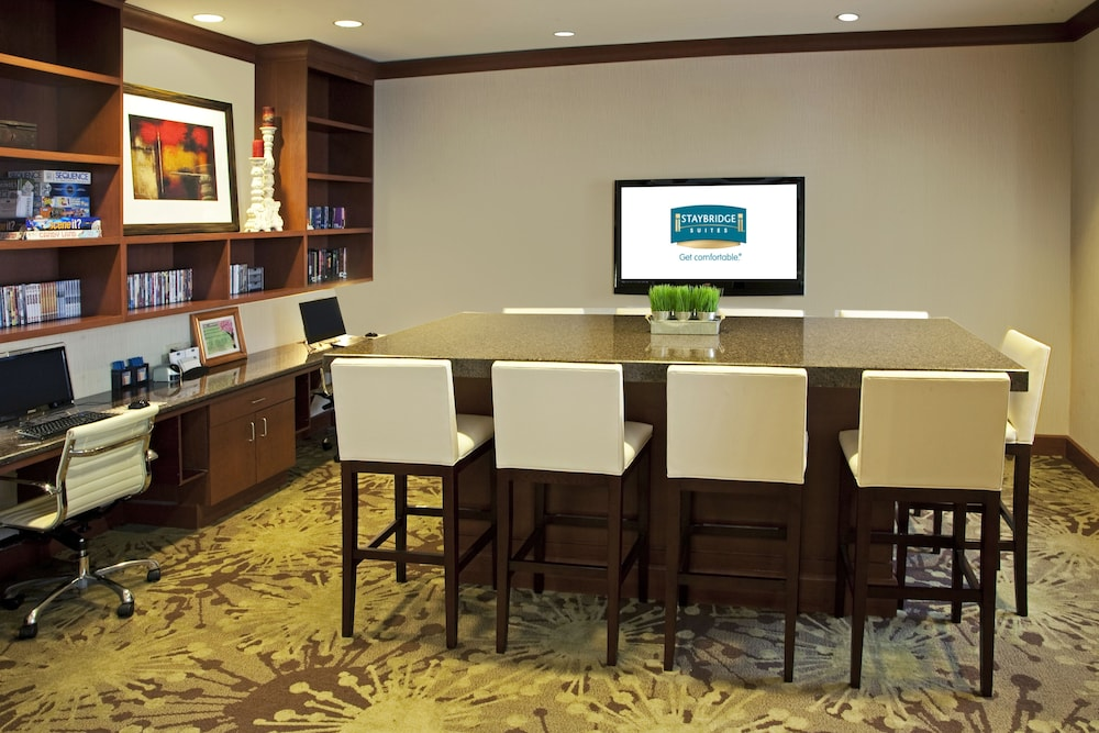 Business Center, Staybridge Suites Chantilly - Dulles Airport