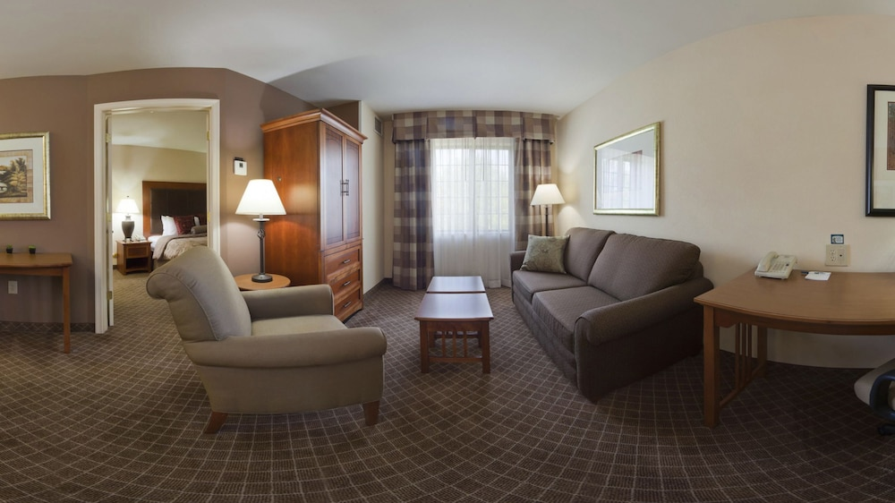 Living Area, Staybridge Suites Chantilly - Dulles Airport
