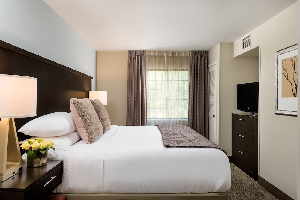 Room, Staybridge Suites Chantilly - Dulles Airport