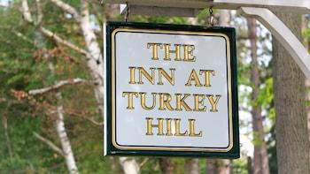 Inn At Turkey Hill >> The Inn At Turkey Hill Hazleton 2019 Room Prices Reviews