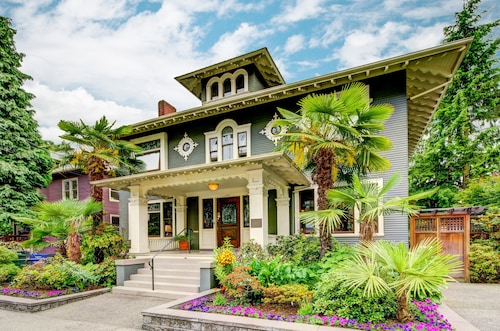 Great Place to stay Gaslight Inn near Seattle