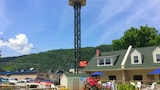 Econo Lodge Inn & Suites at the Convention Center - Gatlinburg Hotels