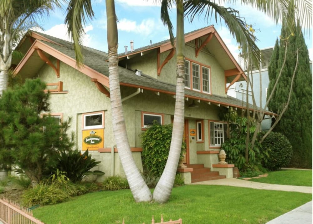 Featured Image, Beachrunners Inn