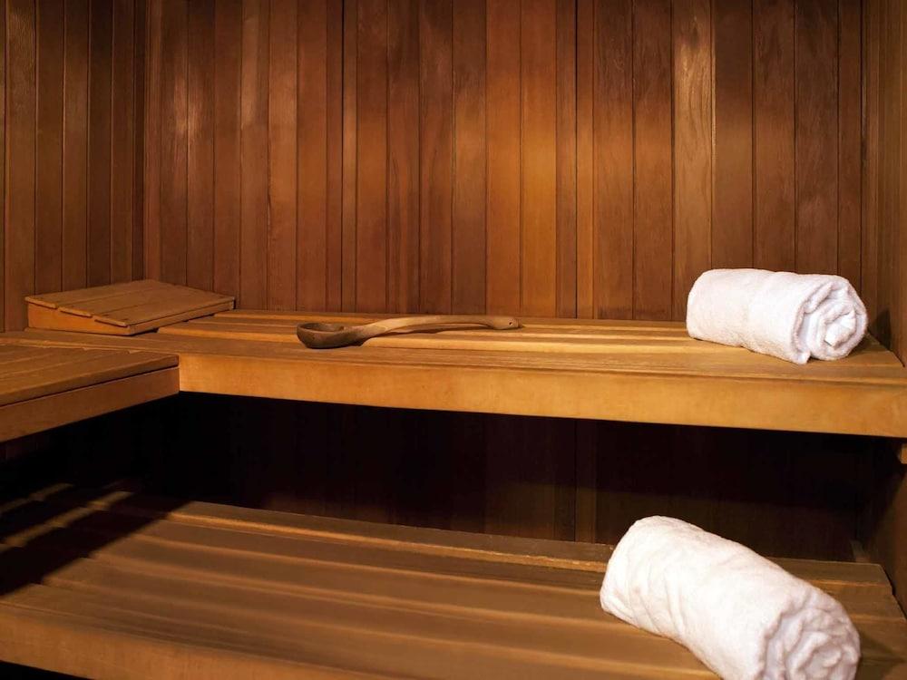 novotel le havre centre gare le havre fra expedia. Black Bedroom Furniture Sets. Home Design Ideas