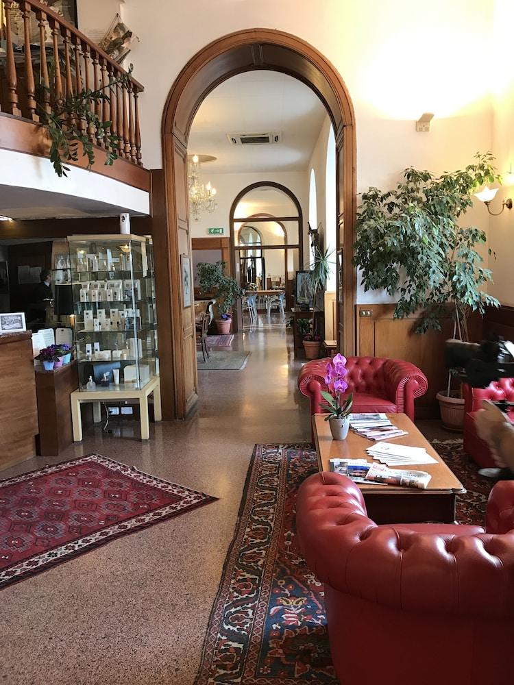 Hotel Shelley E Delle Palme In Lerici