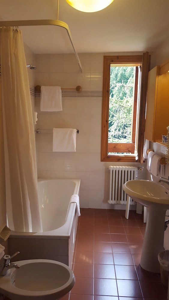Bathroom, Hotel Chalet Valdotain