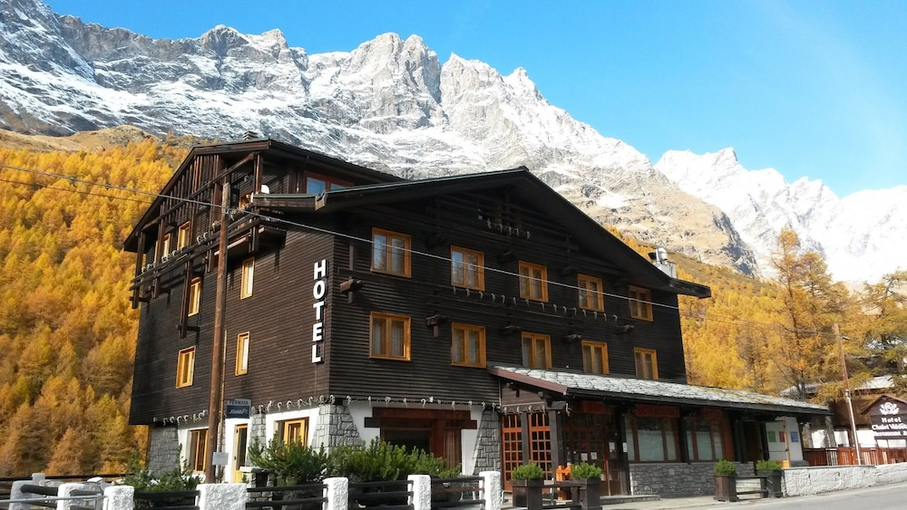 Front of Property, Hotel Chalet Valdotain