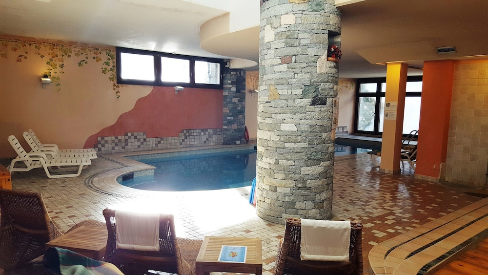 Pool, Hotel Chalet Valdotain