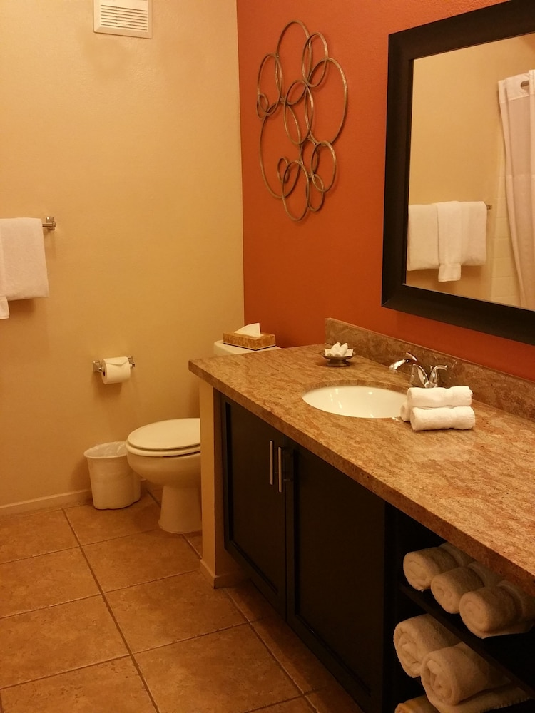 Bathroom, The Cliffs at Peace Canyon