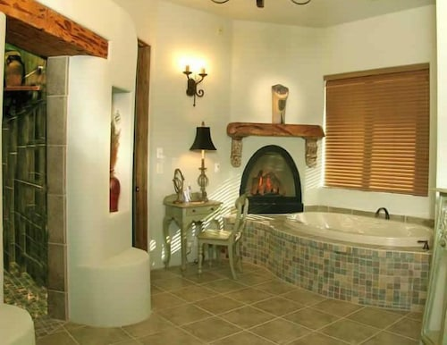 Deep Soaking Bathtub, Adobe Grand Villas