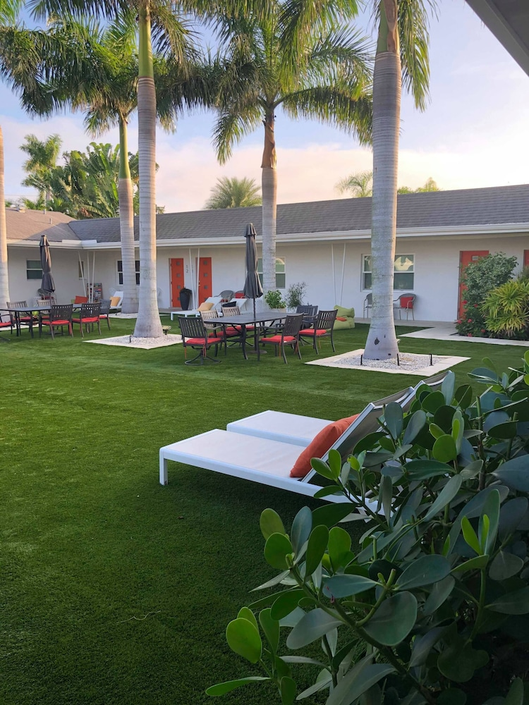 Courtyard View, Captiva Beach Resort