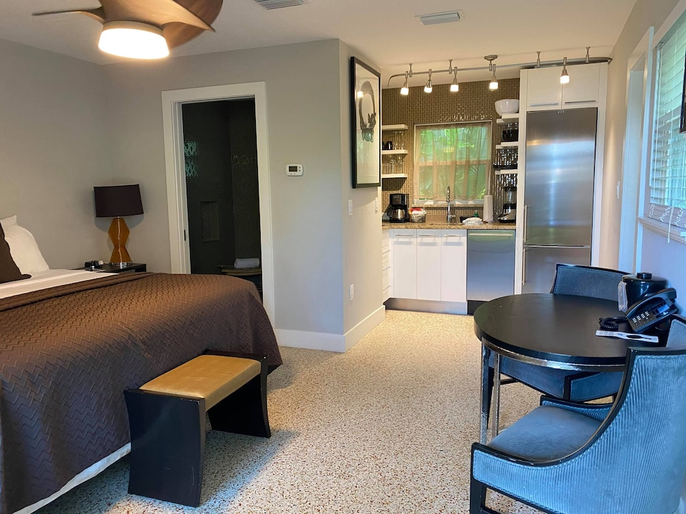 Room, Captiva Beach Resort