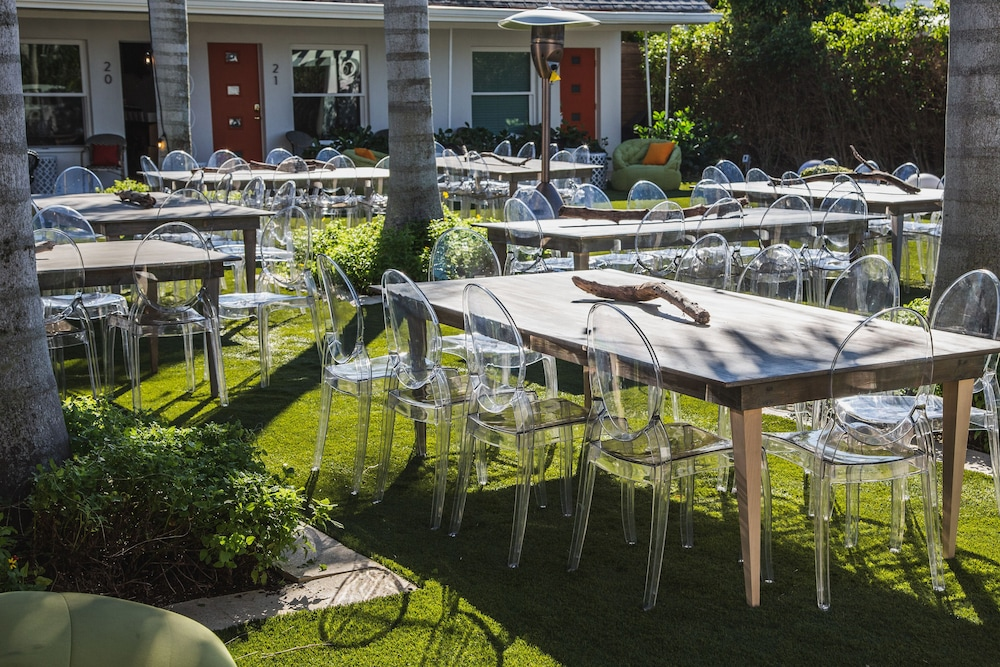 Outdoor Banquet Area, Captiva Beach Resort