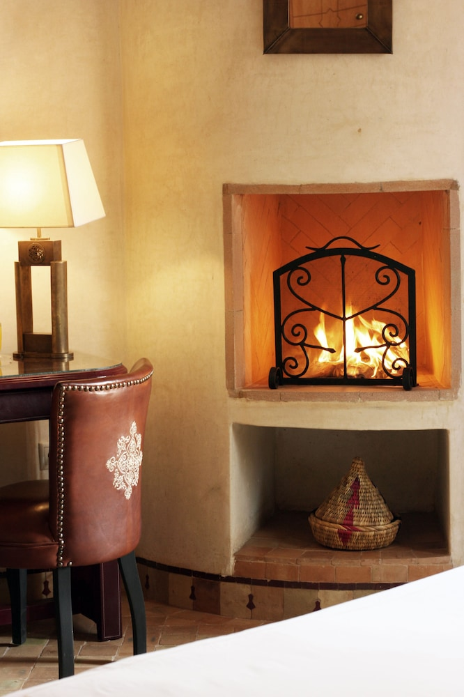 Fireplace, La Maison Arabe Hotel, Spa and Cooking Workshops